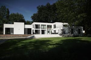 Totaalrenovatie-grote-moderne-villa