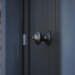 Sleutel-op-de-deur-landelijke-nieuwbouw-woonst-deur-klink
