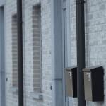 Moderne-standaard-sleutel-op-de-deur-nieuwbouw-rijwoningen